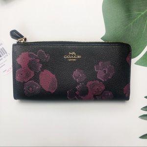 🌸Coach Halftone Flower Zip Wallet